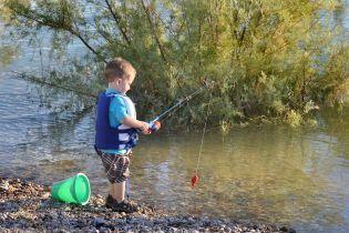 В Україні заборонили вилов риби на час нересту: патрулі цілодобово ловлять браконьєрів