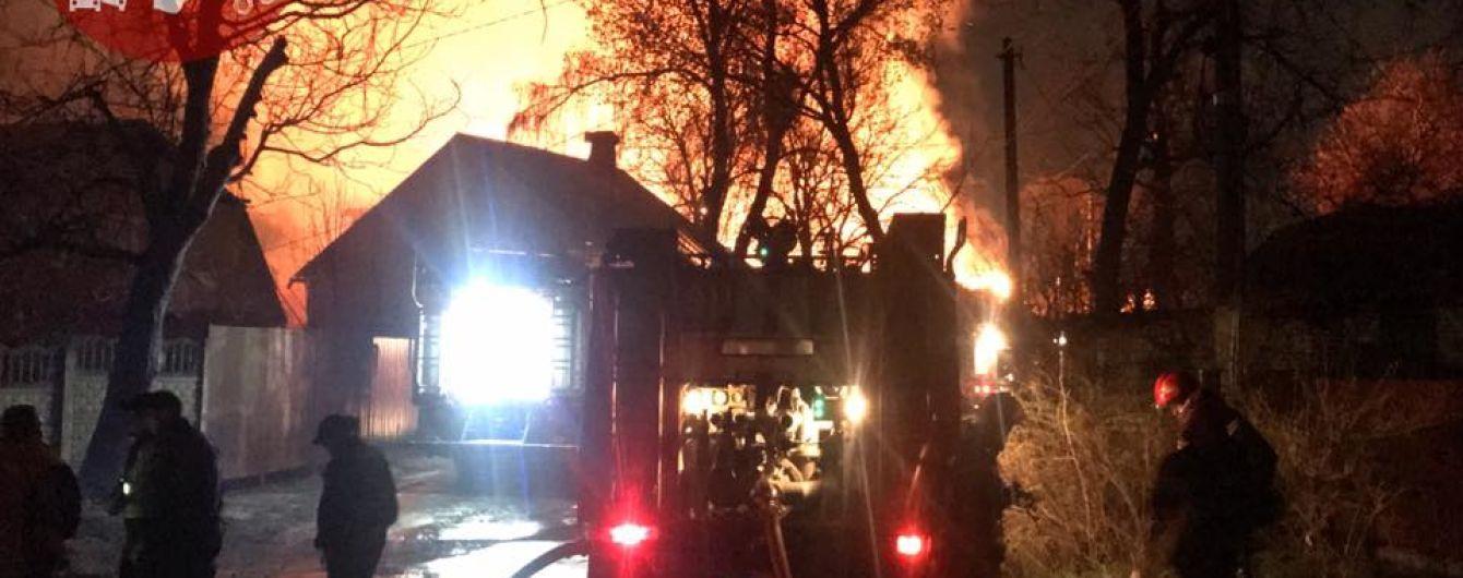 Порошенко назначил дату дебатов, в Киеве был большой пожар. Пять новостей, которые вы могли проспать