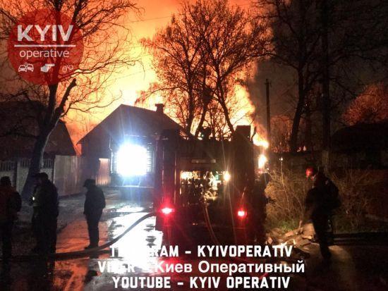 Порошенко призначив дату дебатів, у Києві була велика пожежа. П'ять новин, які ви могли проспати