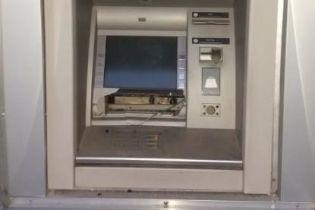 В Харькове ночью неизвестные взорвали банкомат и похитили оттуда деньги