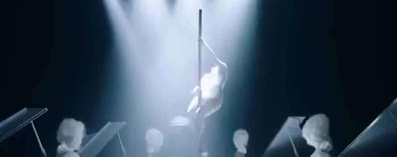 Дерзкая Джей Ло в боди покрутилась на пилоне в откровенном клипе