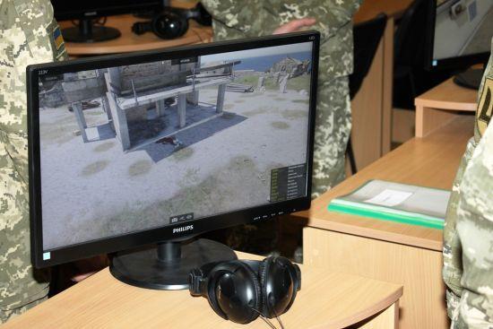 Контрактник продавав деталі інтерактивного комплексу, щоб придбати біткоїн-ферму