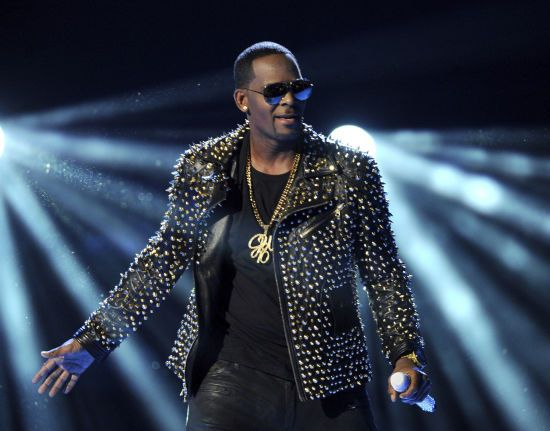 Звинувачений у зґвалтуванні R.Kelly дав 28-секундний реп-концерт