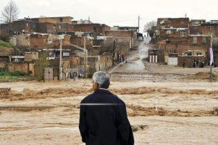 В Иране третью неделю не утихают дожди: погибли не менее 70 человек