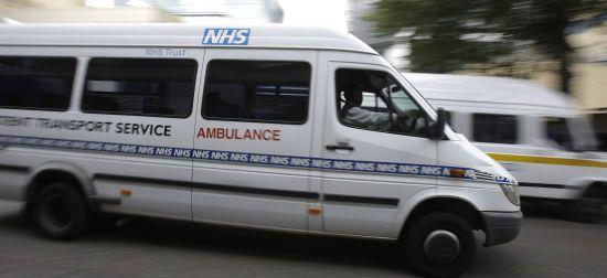 В Англії футболіст травмувався під час матчу і 3 години пролежав на полі в очікуванні медиків