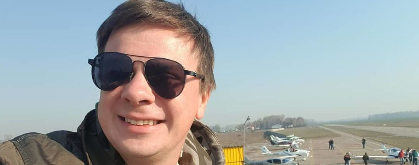Він це зробив: Комаров на маленькому літаку встановив рекорд України