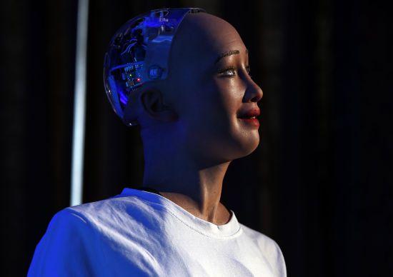 """Єврокомісія розробила основу """"етичних законів"""" для штучного інтелекту"""