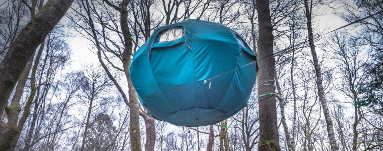 В Великобритании создали палаточный городок на деревьях