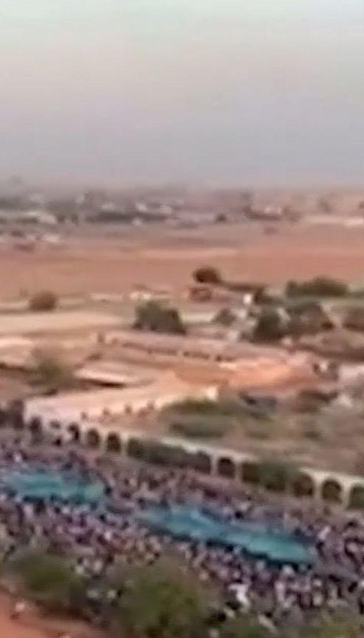 Тисячі людей у Судані вимагають відставки президента Омара аль-Башира