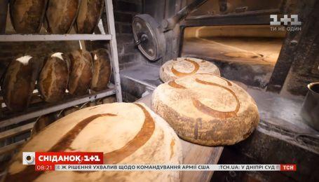 Как пекут хлеб в самой старой пекарне Парижа