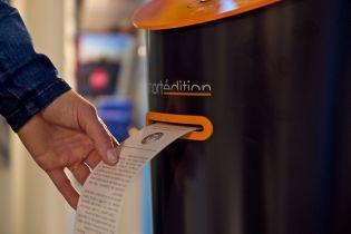 В лондонском метро установили автомат с рассказами известных писателей