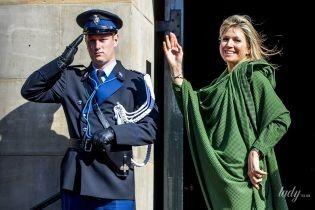 В изумрудном платье и с растрепанными волосами: королева Максима посетила торжественный прием