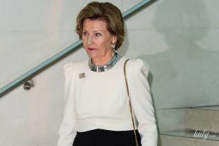 Красива і елегантна: королева Соня сходила на виставку в Лондоні