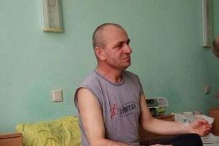 Віктору доводиться боротись з раком шлунка
