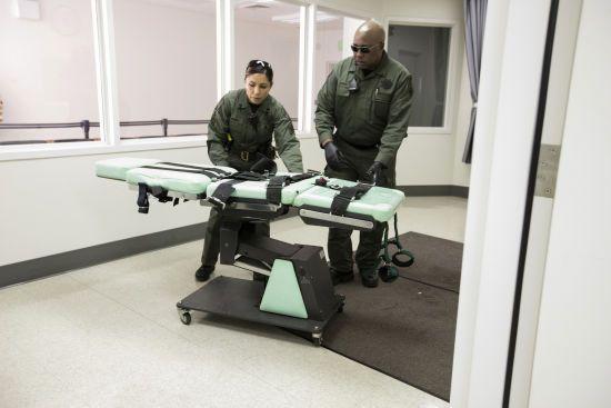 Верховний суд США призупинив смертну кару: не домовились про спосіб страти