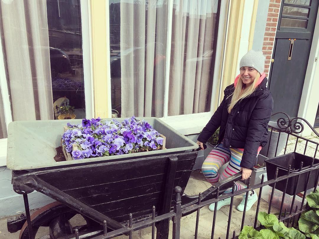 Поцілунки та романтичні прогулянки: Матвієнко та Мірзоян показали свій відпочинок в Нідерландах (фото, відео)