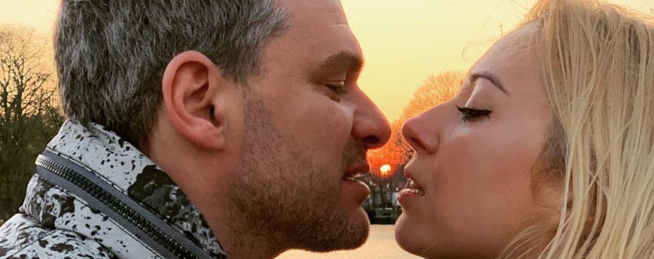 Поцелуи и романтические прогулки: Матвиенко и Мирзоян отдыхают в Нидерландах
