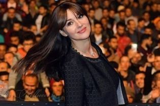 Как две капли: 14-летняя дочь-копия Моники Беллуччи дебютировала в рекламе