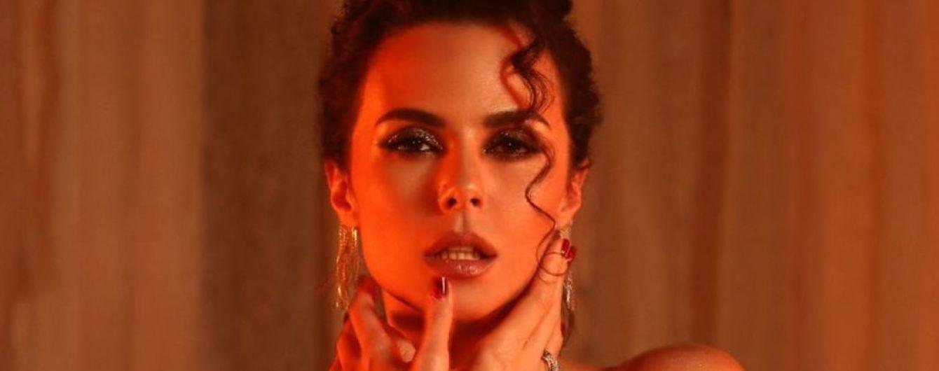 Настя Каменских призналась, ревнует ли ее возлюбленный из-за пикантных фото в Сети