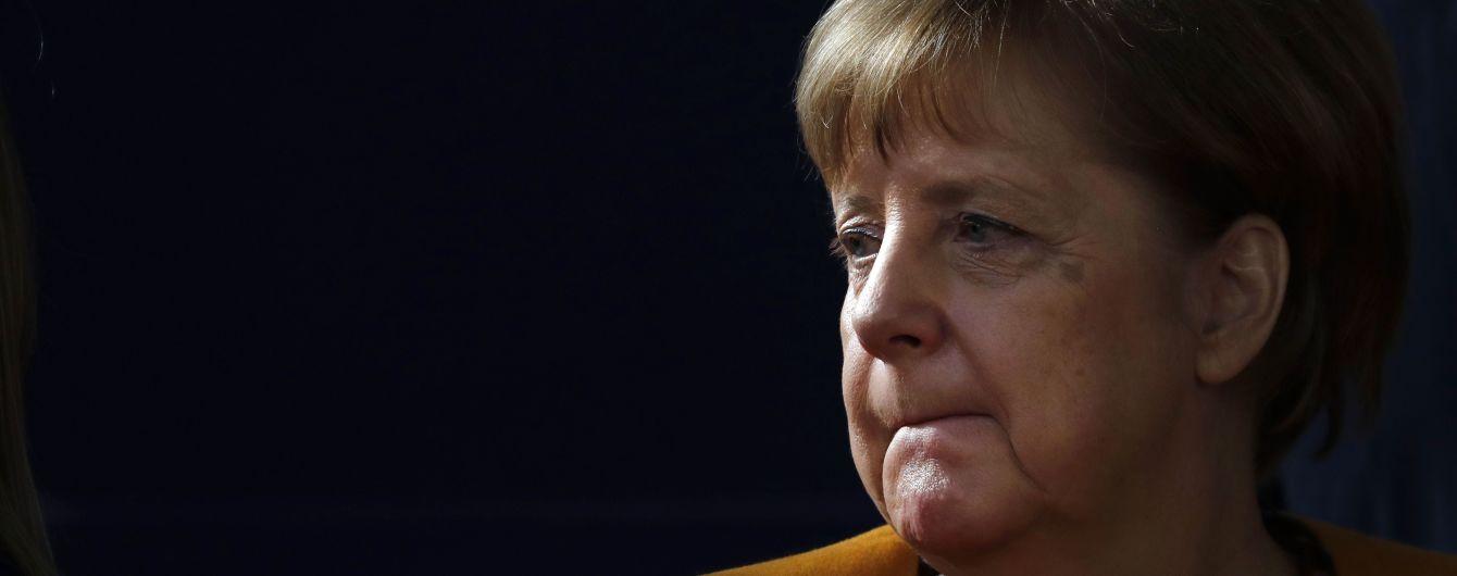 В Германии правительство Меркель оказалось под угрозой из-за отставки главы социал-демократов