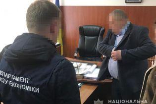 Чиновника Винницкой ОГА задержали на взятке в 180 тысяч гривен