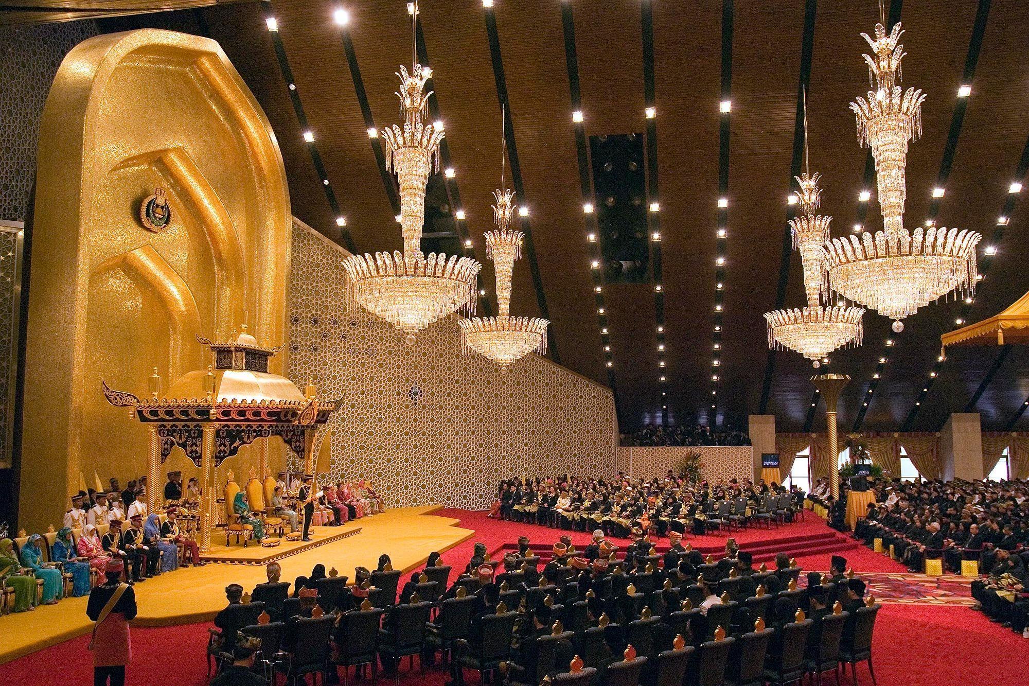 бруней, тронна зала палацу султана