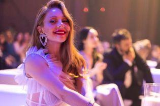 Тина Кароль появилась на публике в полупрозрачном платье за 340 тысяч грн