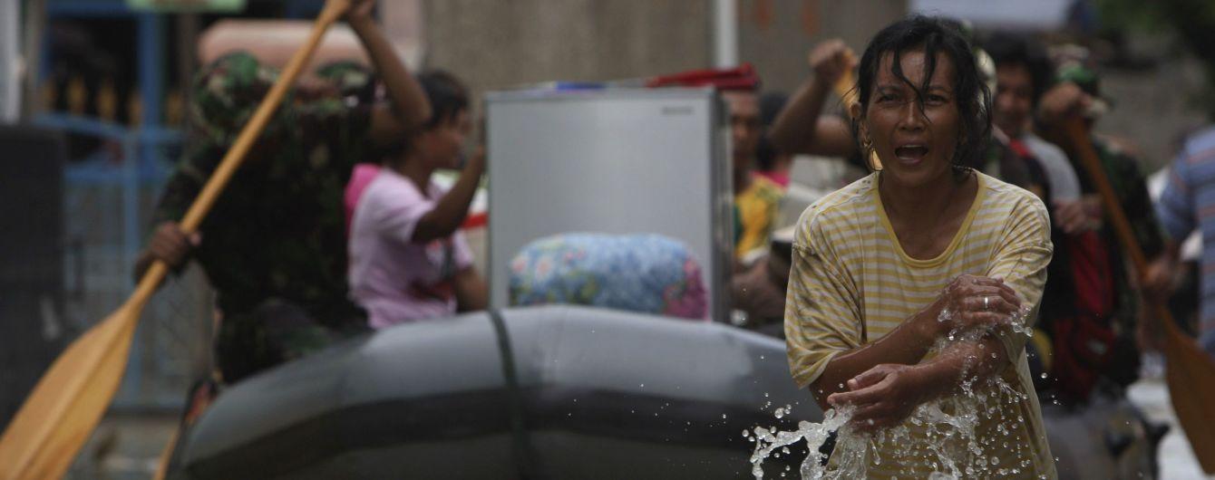 Из-за наводнения в Индонезии пострадали более 24 тысяч человек