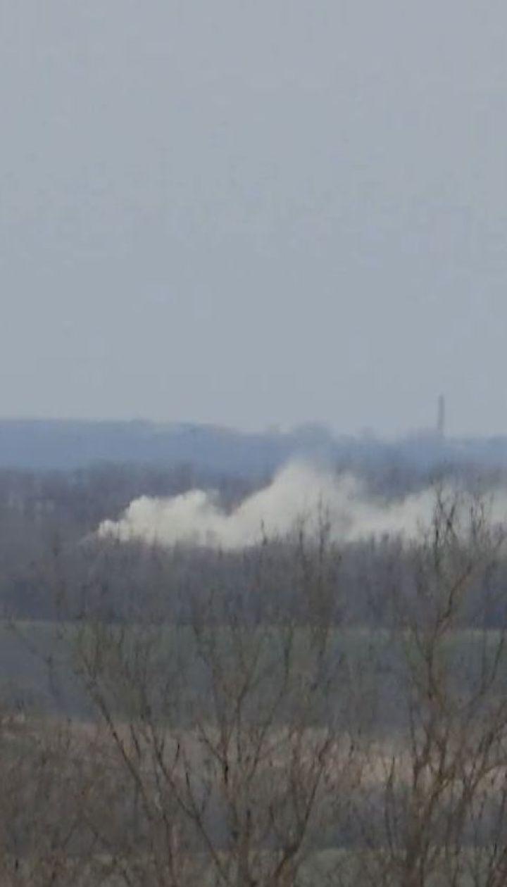 Окупанти обстрілюють позиції українських воїнів, ті дають відсіч