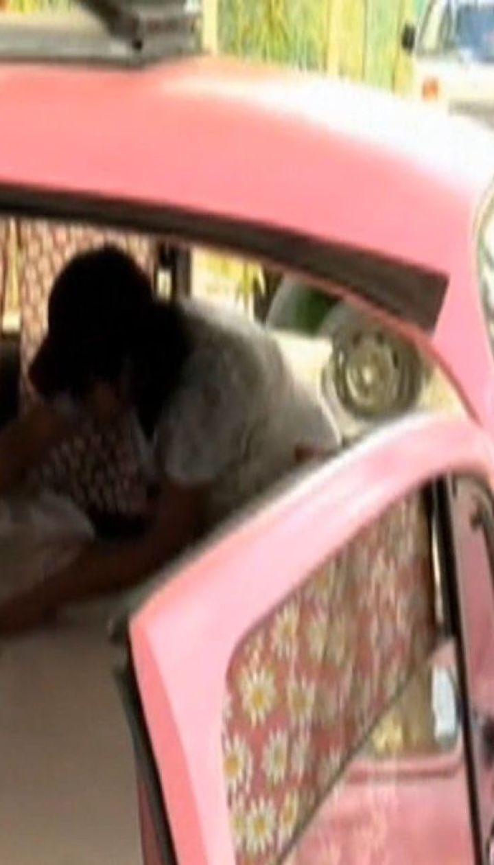 Готель зі вживаних автомобілів та літаків облаштовує мексиканець