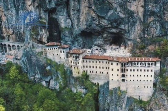 У Туреччині відкриють унікальний монастир для туристів