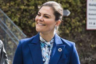 В элегантном синем костюме: кронпринцесса Виктория посетила открытие научного центра