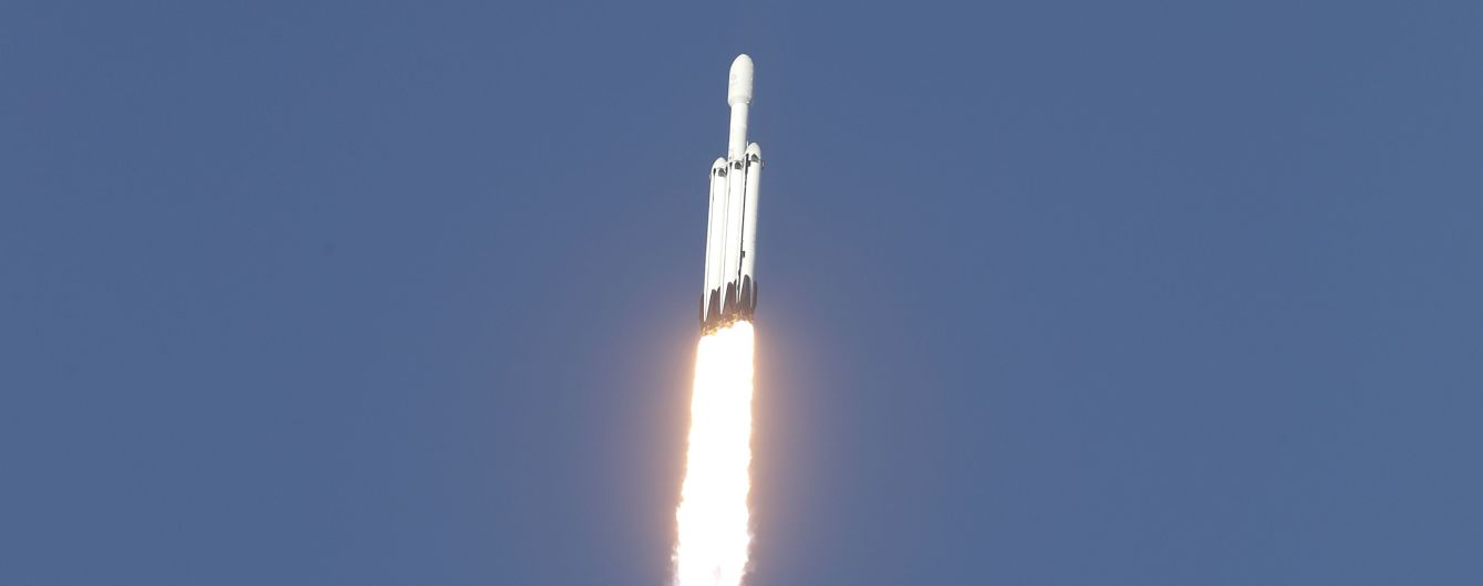 SpaceX загубила частину ракети Falcon Heavy в океані під час шторму