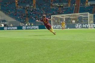 """""""Тут даже я бы забил!"""" Итальянский клуб пригласил на стадион фаната, который критиковал игру"""