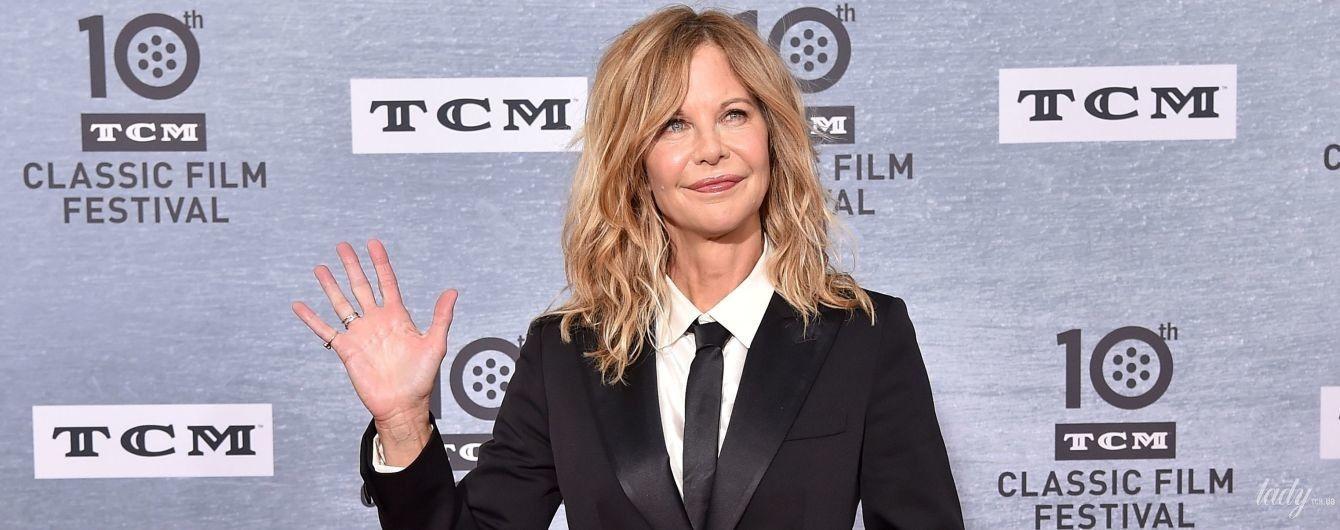 В черном костюме и с жемчужным браслетом: 57-летняя Мег Райан в стильном образе на кинофестивале