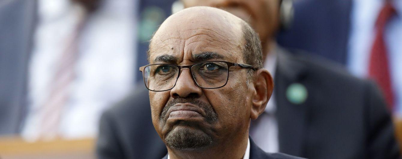 Суданські військові не планують видавати затриманого диктатора Міжнародному кримінальному суду