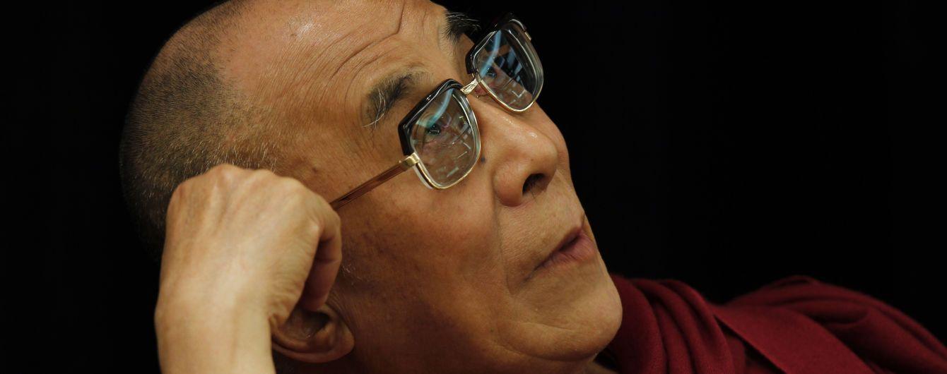 Лідера буддистів Далай-ламу виписали з лікарні