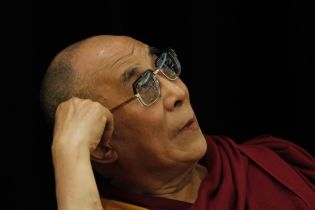 Лидера буддистов Далай-ламу выписали из больницы