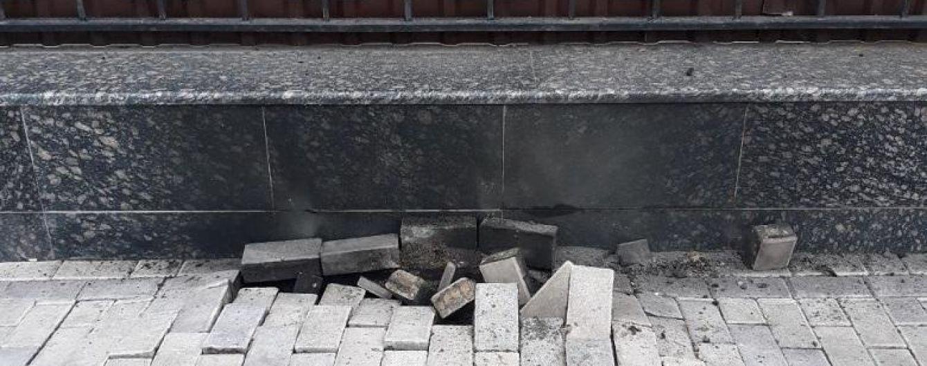 У Києві стався вибух біля посольства РФ