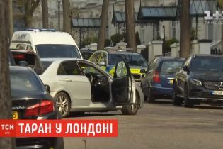 Чоловік, який протаранив авто українського посла у Лондоні, виявився психічно хворим - поліція