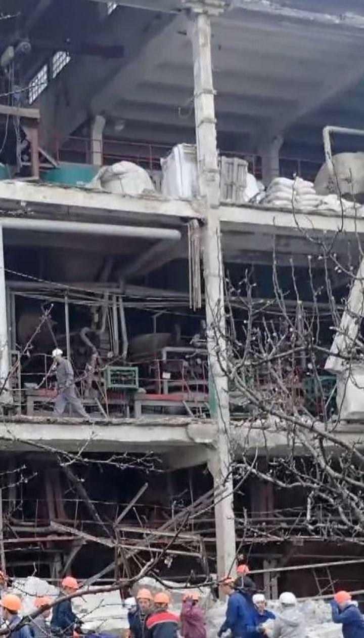 На желатиновому заводі у Лисичанську стався вибух, загинула жінка
