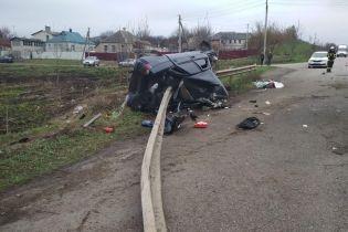 Моторошна ДТП на Харківщині: ВАЗ на швидкості наштрикнувся на відбійник, водію відірвало руку