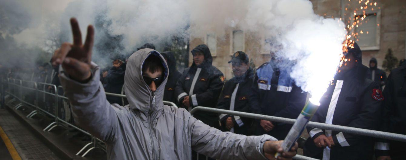 Антиурядові протести в Албанії: мітингувальники штурмували парламент