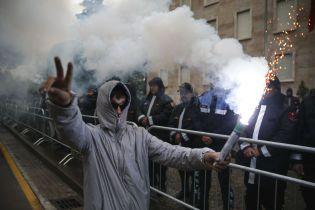 В Албанії під час антиурядових протестів сталися сутички: є поранені