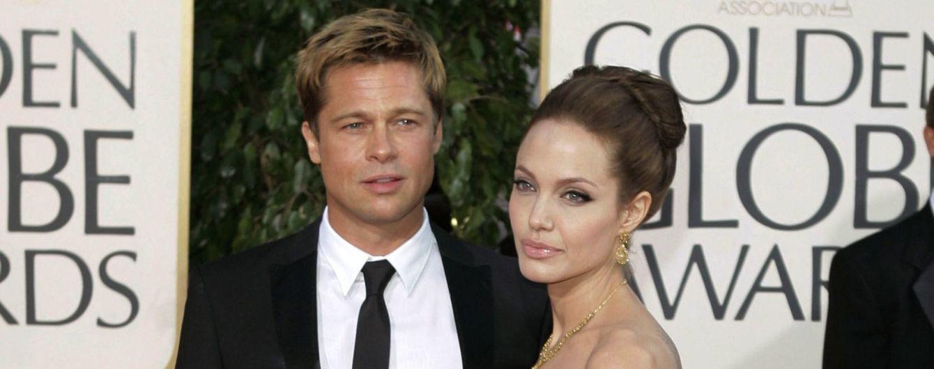 Занятая Джоли обратилась к Питту за помощью в уходе за детьми - СМИ