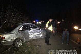 Возле Ровно пьяный водитель протаранил машины копов – двое пострадавших. Полицейские применили оружие