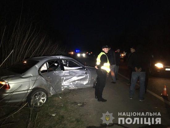 Біля Рівного п'яний водій протаранив автівки копів – двоє постраждалих. Поліцейські застосували зброю