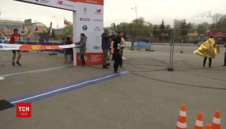 Более 11 тысяч бегунов из 18 стран мира приняли участие в харьковском марафоне