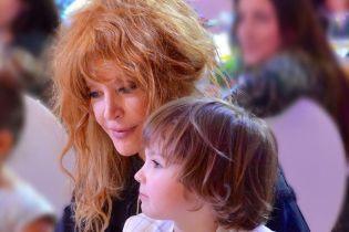 Пятилетние дети Пугачевой довели маму до слез в день рождения