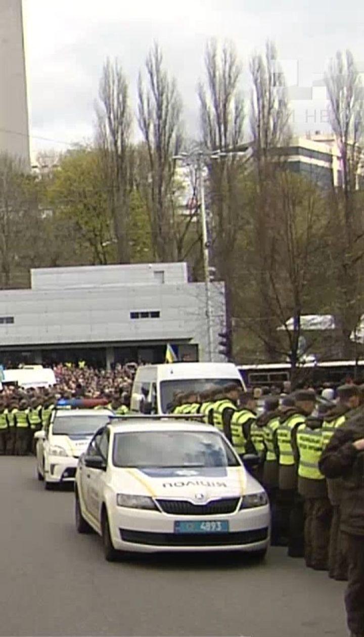 """Провокации возможны: полиция готовится к вероятным дебатам на """"Олимпийском"""" 19 апреля"""